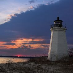 Fayerweather Island Lighthouse  Conneticut  @Majesta DenBoer How about a lighthouse wedding near Michael's home town?? Get married outside like you said at dusk??? There are others also
