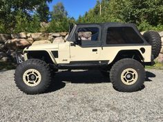 SUVs - This amazing and rare Jeep (LJ) as been totally customized and upgraded to turn it into an absolute stunner It offers pr. Jeep Mods, Jeep Tj, Jeep Truck, Chevy Trucks, Big Trucks, Jeep Wrangler Rubicon, Jeep Carros, Jeep Pickup, Auto Jeep