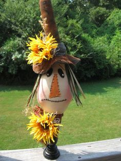 Scarecrow Fall Decor Halloween Sunflower by parismarketplace, Scarecrows For Garden, Fall Scarecrows, Primitive Scarecrows, Scarecrow Ideas, Fall Halloween, Halloween Crafts, Vintage Halloween, Halloween Party, Halloween Wreaths