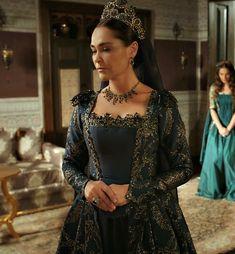"Safiye Sultan: Magnificent Century: Kösem - ""On the Edge of Extinction (Inkirazin Esiginde)"" Season 1, Episode 6"