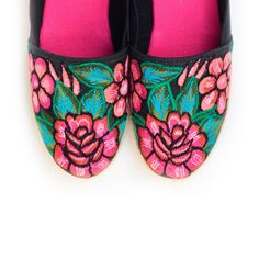 Alpargatas Bordado, Zapatos Bordados, Los Zapatos, Diseño Mexicano, Textil Mexicano, Bordado Mexicano, Artesanía Mexicana, Con Arte, Tela Con