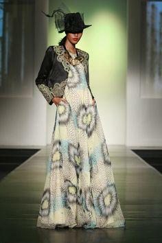 Love the dress Modest Fashion, Hijab Fashion, Hijab Gown, Moslem Fashion, Islamic Fashion, Hijab Styles, Long Dresses, Jakarta, Fashion Pictures