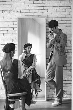 Pre Wedding Poses, Pre Wedding Photoshoot, Korean Couple Photoshoot, Couple Photography, Wedding Photography, Photoshoot Concept, Korean Wedding, Photo Wedding Invitations, Wedding Company