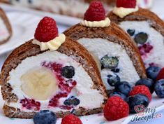 17 nejlepších FITNESS receptů bez mouky a cukru, strana 2 Different Cakes, Banana Split, Fun Desserts, Yummy Treats, Food To Make, Cheesecake, Good Food, Food And Drink, Cooking Recipes