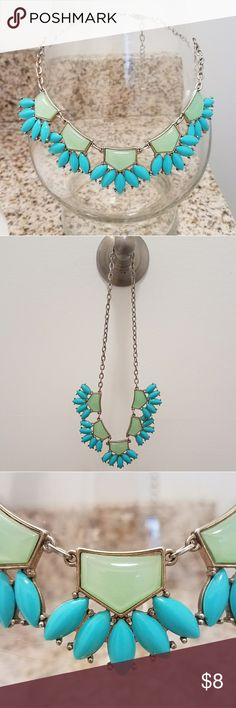 Mint & Turquoise Statement Necklace Lays perfectly across collarbone. Shiny mint and bright turquoise resin beading. Gold hardware. Awesome condition! Jewelry Necklaces