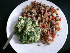 Spinazie stamppot - EGA NEDERLAND Yummy Food, Delicious Recipes, Cabbage, Grains, Rice, Vegetables, Om, Red Peppers, Seeds