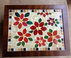 Resultado de imagen para Mosaic dog by Solange Piffer Mosaic Tray, Mosaic Tile Art, Mosaic Crafts, Mosaic Glass, Stained Glass, Dog Friendly Backyard, Glue Art, Mosaic Flowers, Tea Box