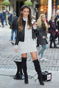 Megan McKenna busking in Covent Garden