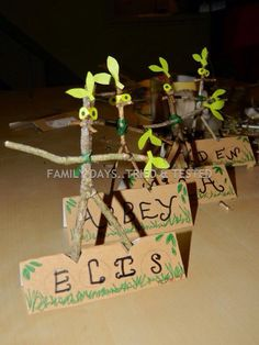 Stick Man - holders for students own stick man creations! Forest School Activities, Nature Activities, Book Activities, Autumn Crafts, Nature Crafts, Book Projects, Projects To Try, The Gruffalo, Gruffalo Party