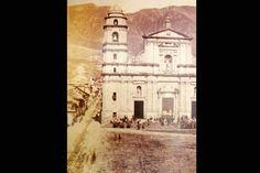 Catedral primada de Bogotá y Casa del Florero en 1885. Notre Dame, Santa Fe, Taj Mahal, American, Building, Pictures, Photography, Travel, Home