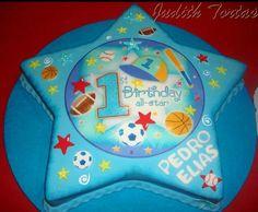 """Torta decorada con fondant """"1st Birthday Star"""""""