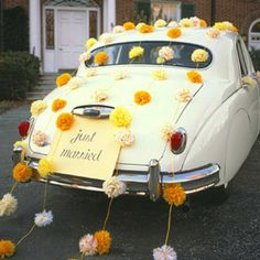 I am realizing that I am a control freak. I want to make this for our gettaway car!! Buuuuut not up to me. Maybe I can use the garland idea for the reception??