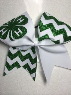 Bow by on Etsy Head Heart Hand, 4 H Clover, 4 H Club, Diy And Crafts, Arts And Crafts, Show Cattle, Showing Livestock, Ffa, Cheer Bows