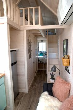 Cindy Bear Suite: Tiny House RV on Tour