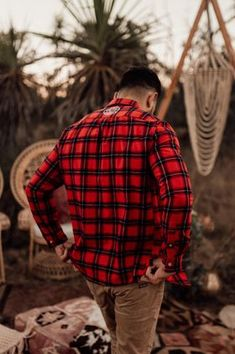 CAN I STEAL HIS FLANNY? LETS GO TO THE CAMP FIRE HONEY.. Country Lifestyle, Camp Fire, Wild Hearts, Westerns, Honey, Men Casual, Australia, Style Inspiration, Boho