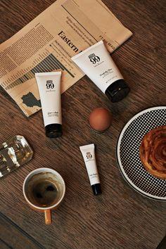 Express_ Ça sent le bogos. David_Beckham et L'Oréal Luxe France, s'unissent pour créer HOUSE 99.  Plus d'excuses les gars, on vous tien. Envie d'en savoir plus ? Get the London look et bonne promenade