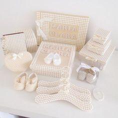 Esse é o lindo kit da Maria Clara! A mamãe Marian @marianverner teve muito bom gosto nas escolhas! O quartinho dela vai ficar liiiindo!!! 🚚 Manhumirim/ MG!!! #quartodebebe #quartodenina #princesa #maedemenina #enxoval #decoraçaodenebe #nebe #baby #gestantes #gravidas #perolas #mundoperolado #ehsucesso
