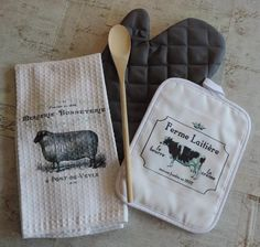 French Farmhouse Kitchen Towel Dish Cloth and Pot Holder Set, Housewarming or Bridal Shower Gift Shabby Chic Kitchen, Farmhouse Style Kitchen, French Farmhouse, Country Farmhouse, Country Kitchen, French Country, Farmhouse Decor, Kitchen Renovation Cost, Simple Furniture