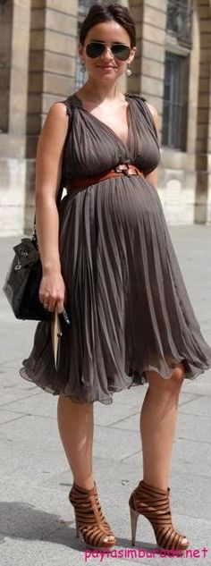 Füme renk hamile elbisesi http://www.paylasimburada.net/en-rahat-hamile-elbise-modelleri/