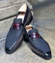 Burberry Men, Gucci Men, Hermes Men, Mens Fashion Shoes, Men S Shoes, Men's Fashion, Calf Leather, Leather Men, Grey Leather