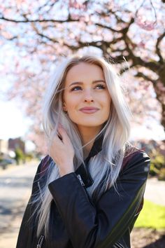 So many of you have been asking if I'm going to cut or colour my hair soon for the Summer but I just don't know! I still love my silver pastel hair!
