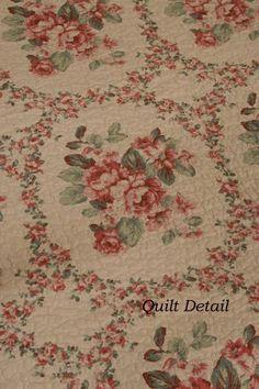 Nostalgia Rose Floral Cottage Quilt Set