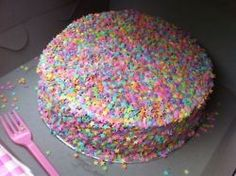 """sweet-bitsy: """" brokendownoldqueen: """" wow i think this could really use more sprinkles tbh """" It's perfect """" Cute Food, Yummy Food, Festa Party, Cute Desserts, Just Cakes, Pretty Cakes, Aesthetic Food, Let Them Eat Cake, Cookies Et Biscuits"""