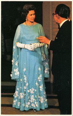 Queen Elizabeth II. in Japan, may 1975 by scareface68, via Flickr