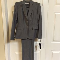 Tahari 2pc Suit ⬇️ Reduced Tahari 2pc Gray pinstripe Suit Size 6, both pc fully lined, metal buttons NWT Tahari Jackets & Coats Blazers