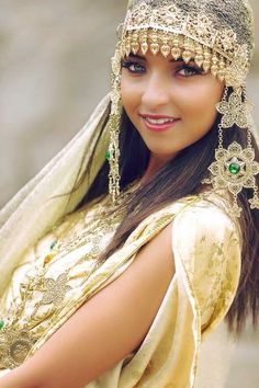 ♔ People from around the World: Algerian fashion: gold Chaoui dress