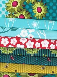 Fat quarter bundle Flora & Fauna collection by Patty Young a Michael Miller fabric. Daisy Dot, Hive. yellow, Hive Teal, Luna,Blossoms,HummingBirds, Dandelion Seed, Double border Daisy. 8 fat quarters total.