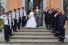 Mariage d'Amandine et Steve. Haie d'Honneur agents de police et sapeurs pompiers