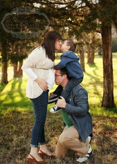 Maternity photography Maternity Poses, Maternity Portraits, Maternity Photography, Photography Poses, Family Photography, Newborn Pictures, Maternity Pictures, Pregnancy Photos, Baby Pictures
