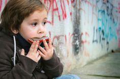 wanna learn to play the harmonica... correctly!