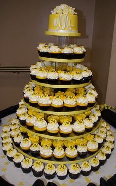 yellow and black Bahamian wedding cake