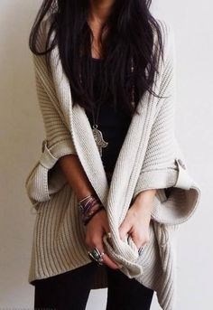 Oversized cardigan for effortlessly stylish casual look