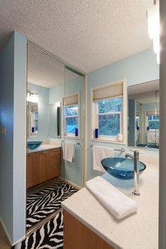 Bathroom paint ideas brown framed mirrors 44 ideas for 2019 Small Bathroom Paint Colors, Bathroom Design Small, Bathroom Layout, Mirror Bathroom, Mirror 3, Beige Bathroom, Bathroom Closet, Mirror Ideas, Basement Bathroom