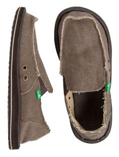 The Sanuk Vagabond is the original Sidewalk Surfer and still kickin butt with extreme comfort and s......Price - $60.00