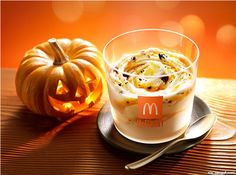 Once again, adding a unique twist to the classic Oreo McFlurry. Released as a limited-edition McFlurry around Halloween, this McFlurry features pumpkin-flavoured ice cream, Oreo cookie crumbs, and a pumpkin spice drizzle. I imagine (or hope) it won't be long before some variation of a pumpkin spice McFlurry comes to North America.