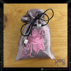 http://rainsews.com/tarot-bags