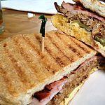 The 10 Best Cuban Sandwiches in the U. My fav! Cuban Recipes, New Recipes, Dinner Recipes, Favorite Recipes, Cubano Sandwich, Cuban Cuisine, Black Beans And Rice, Good Food, Basque
