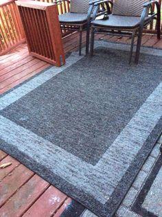 2 matching outdoor rugs - VarageSale Sarnia
