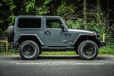 Top 8 Awesome Two-Door Jeep Wrangler - Awesome Indoor & Outdoor Two Door Jeep Wrangler, Jeep Wrangler Rubicon, Jeep Wrangler Unlimited, Jeep Wranglers, Jeep Jl, Jeep Cars, Four Door Jeep, Bentley Mulliner, 4x4