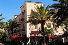Ocean Drive Miami Beach South Beach, Miami Beach, Miami Art Deco, Florida Style, Night Pictures, Ocean Drive, Sunshine State, Facades, Florida Outfits