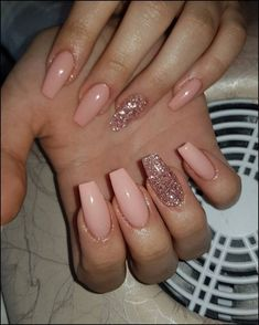 nails natural look with glitter \ nails natural look . nails natural look gel . nails natural look acrylic . nails natural look short . nails natural look manicures . nails natural look with glitter . nails natural look almond . nails natural look simple Aycrlic Nails, Pink Nails, Cute Nails, Glitter Nails, Fall Nails, Gold Nail, Glitter Art, Pastel Nails, Gel Manicure