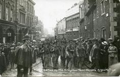 100 Years Ago Today: Mobilisation of the Croydon Territorials London History, British History, Old Pictures, Old Photos, Croydon Airport, Soldier Field, Old London, Photo Postcards, Surrey