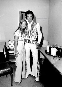 Elvis Presley backstage before the start of the Memphis concert, June 10, 1975.