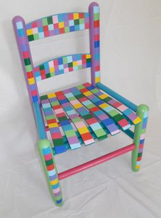 Idee per mobili funky – Recycled Furnitures Ideas Painted Kids Chairs, Whimsical Painted Furniture, Hand Painted Furniture, Funky Furniture, Recycled Furniture, Colorful Furniture, Paint Furniture, Kids Furniture, Graffiti Furniture