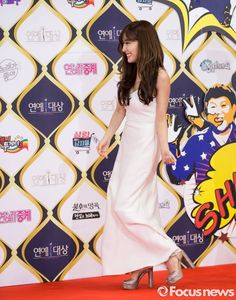 SNSD Tiffany at the red carpet of KBS' Entertainment Awards