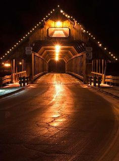 Walked this bridge to get to work many a time in the blistering cold! Covered Bridge at night, Frankenmuth, Michigan Places To Travel, Places To See, Frankenmuth Michigan, Old Bridges, Rome, Michigan Travel, Jolie Photo, Covered Bridges, Great Lakes